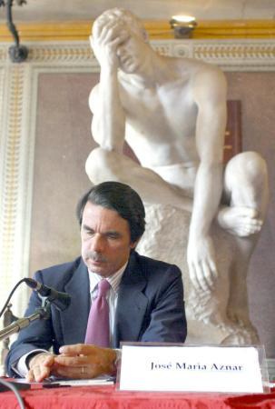 Aznar con trasera colocada por la Gürtel